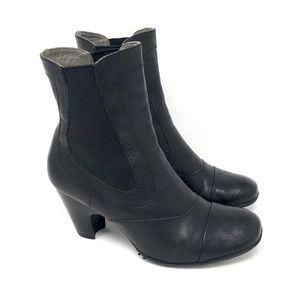Born Black Leather Gored Pullon Boots 6 / 36.5
